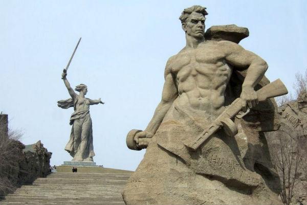 Высота памятника мамаев курган в волгограде памятники на могилу лобня